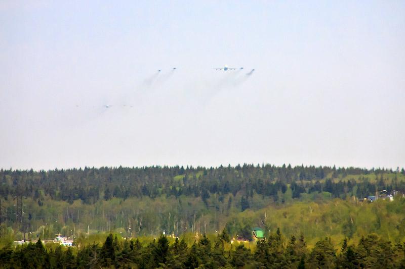 Самолёты подлетают к Москве