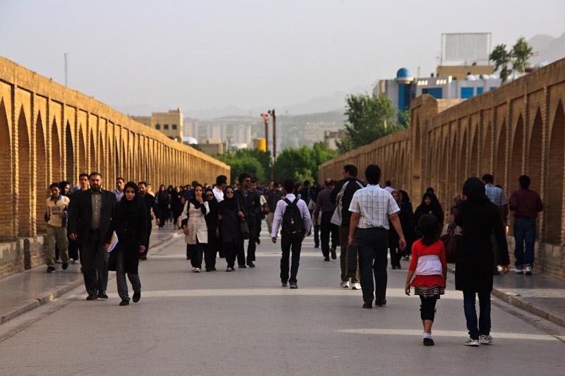 Иран. Исфахан. Мост