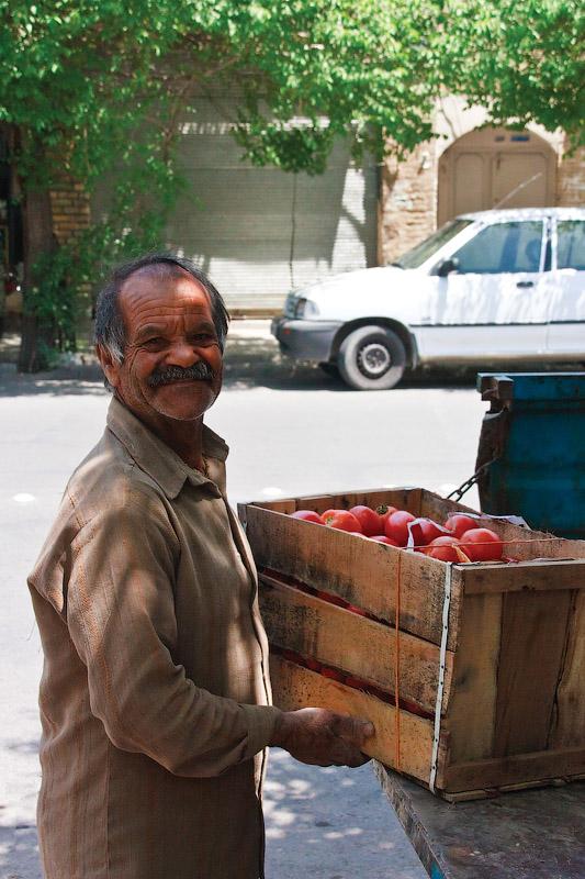 Торговец помидорами